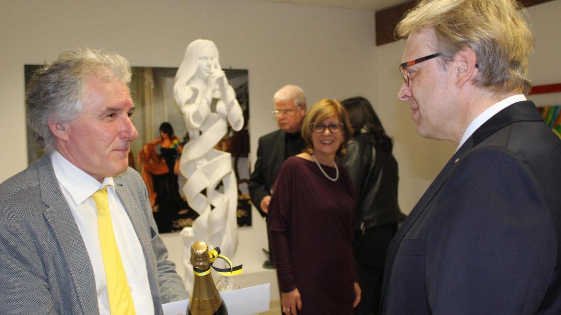 "<img src=https://www.robertopiaia.com/wp-content/uploads/2018/04/art_studio.jpg alt=""Event-Roberto Piaia - Art Studio""/>"